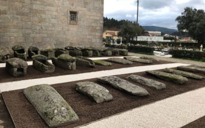 El Ejecutivo de Padrón embellece el entorno de la Iglesia de Santa María a Maior de Iria Flavia